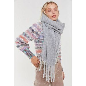 Urban Outfitters   NWT Stella Cozy Scarf